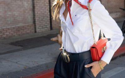 Cómo combinar el bolso rojo, un toque de color a tu look